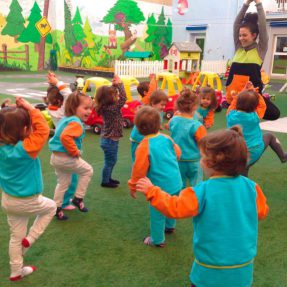 Yoga-infantil-768x573-287x287
